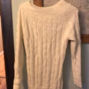 Women's sweater. M